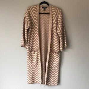 Forever 21 tan and brown chevron cardigan size med